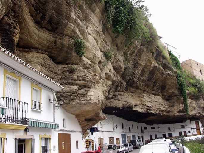 İspanya'nın 'taş' evleri
