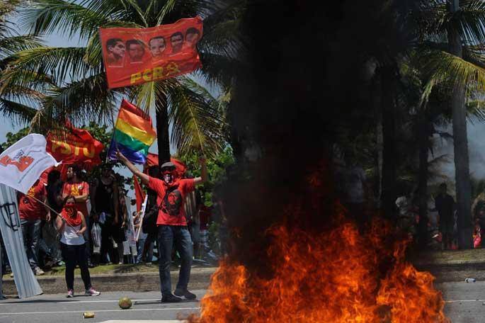 Brezilya'da petrol ateşi
