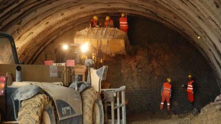 İzmir'in tarihine bir hançer Konak tüneli