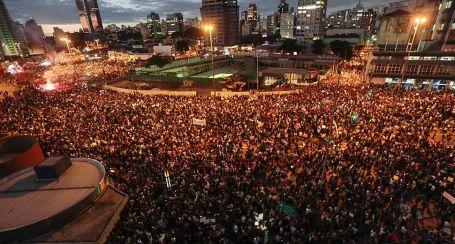 Brezilya'nın en büyük tribünü, sokaklar...