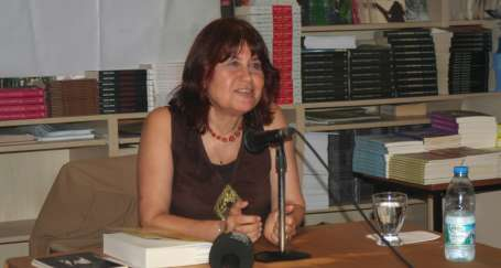 Gülsüm Cengiz, kadının şiirli tarihini anlattı
