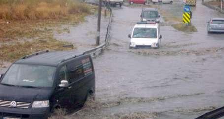 Yaz yağmuru hayatı olumsuz etkiledi