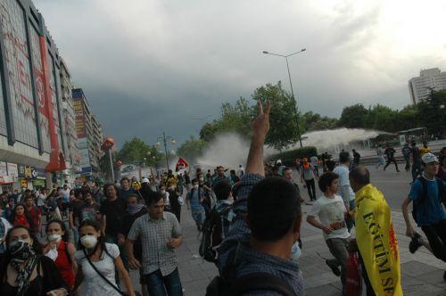 Ankara'da grev alanına müdahale