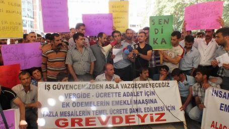Eti Krom işçilerinin yürüyüşüne polis engeli