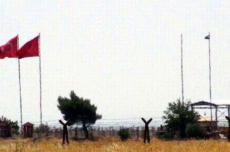 ÖSO ile el Kaide çatıştı; sınır kapısı kapandı