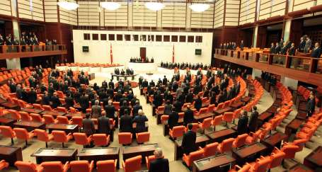 Meclis tarihi boykotla açıldı