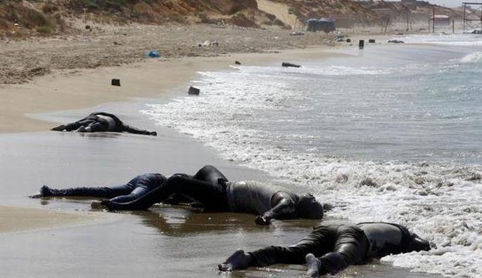 100\'ü aşkın Afrikalı göçmenin cansız bedeni sahile vurdu