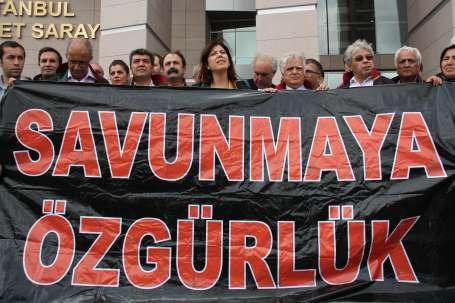 'Türkiye'de söz kurşun muamelesi görüyor'