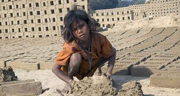 130 bin köle var sosyal politika yok!