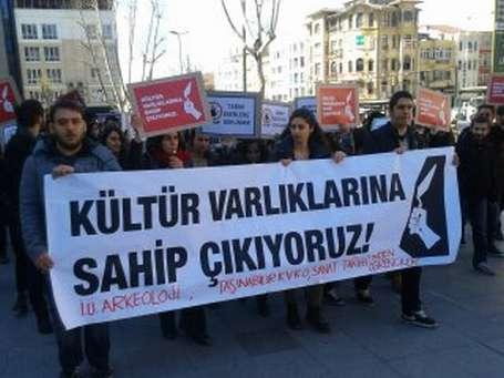 Fatih Belediyesi kültür varlıklarını tahrif ediyor