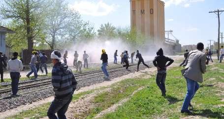 Demirtaş: Asker ve polisi Bismil'den çekin