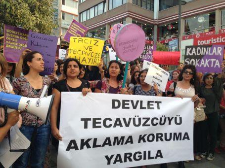 'Tecavüzcüleri koruma yargıla'