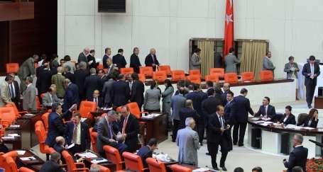 AKP: 'CHP'nin vereceği tarihe açığız'