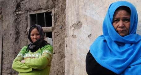400 Afgan mülteci ortada kaldı