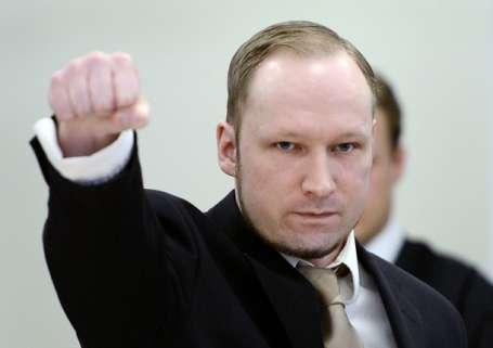 Katil Breivik'in yargılanmasına başlandı