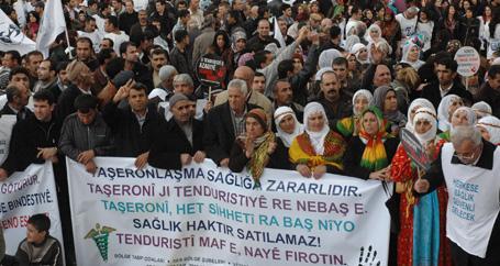 5 bin kişi haykırdı: Anadilde, parasız sağlık istiyoruz