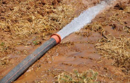 350 bin yurttaşın içme suyu tarlaya akıyor!