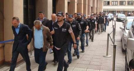 Cemil Ekşi yolsuzluktan tutuklandı