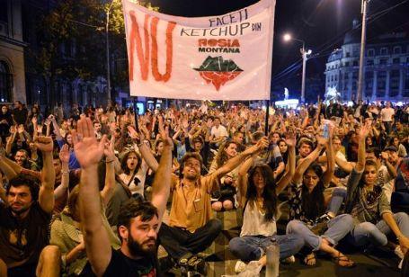 Romanya hükümeti eylemler karşısında geri adım attı