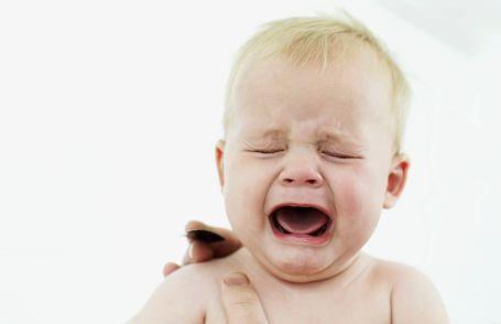 'Annenin sigara kullanması bebeğin koliğini etkiler'