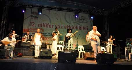 Kardeş Türküler konserinde provokasyon girişimi