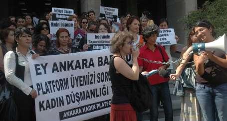 Kadınlardan Ankara Barosuna tepki