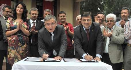 Bornova'da TİS imzalandı