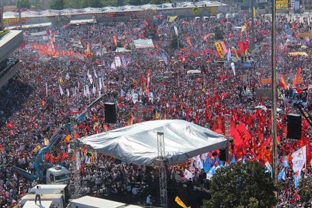 İstanbul ayağa kalkınca...