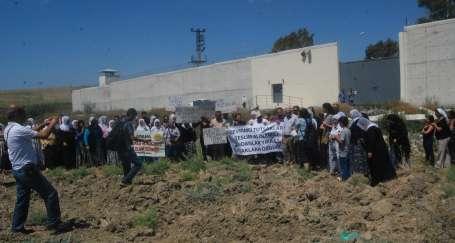 Karataş Kadın Cezaevindeki ihlallere karşı eylem