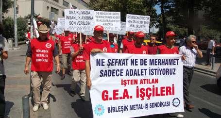 GEA işçileri Alman konsolosluğu önünde
