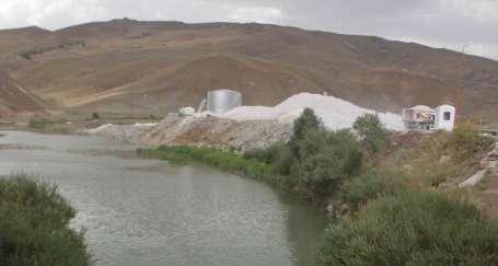 Zap Suyuna taş ocağı ablukası