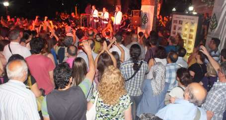 Sanatçılar Ankara'da 'sanatıma dokunma' dedi