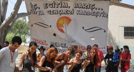 2013'te Türkiye gençliği barış için buluşuyor