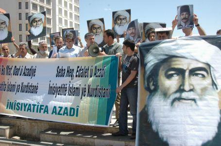 Kürtler AKP'ye değil,  kendilerine güveniyor
