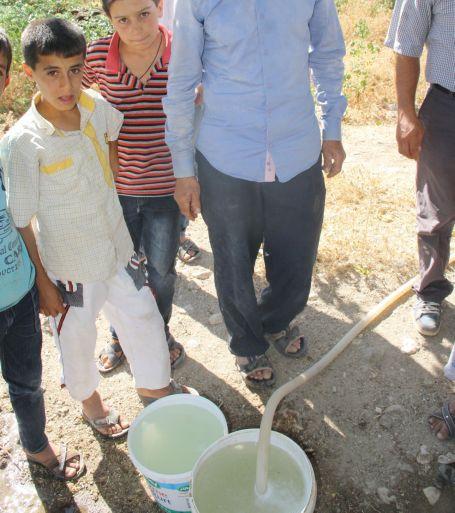 Kanalizasyon suyu içen bir köy var