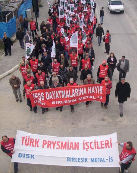 Metal işçileri Bursa'da da yürüdü
