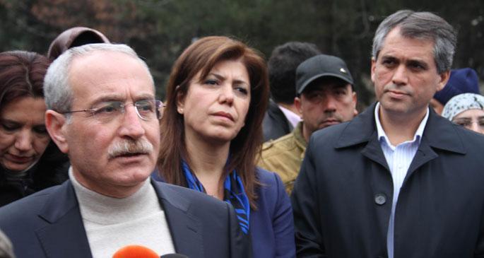 5 vekil, tutuklu arkadaşları için Diyarbakır Adliyesi\
