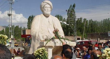 'Xani Kürtlerin fikir babasıdır'