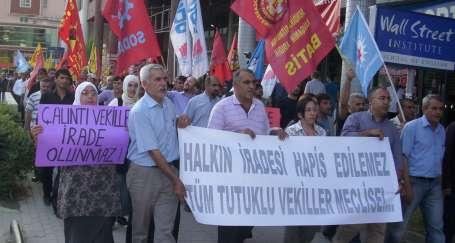 YSK protestoları sürüyor