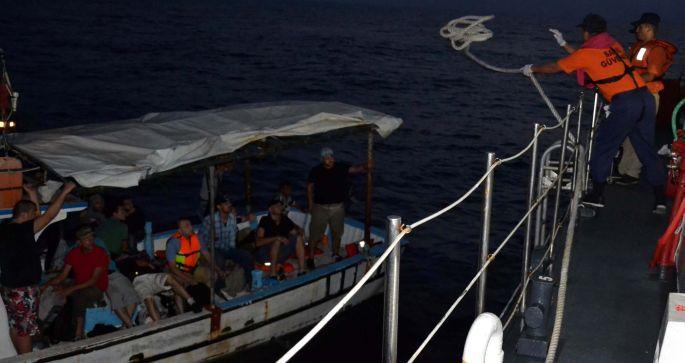 57 Suriyeli göçmen teknede yakalandı