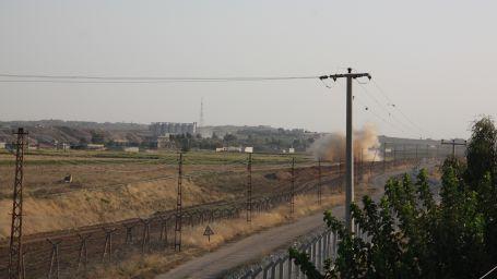 Rojava iki ateş arasında