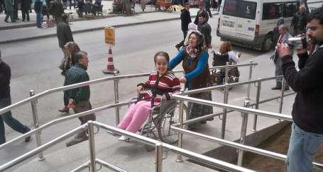 Ordu'da engelli rampası yenilendi