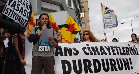 LGBTT bireyleri AKP'ye yürüdü