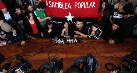 Şili'de öğrenciler bakanlığı işgal etti