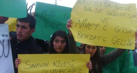 Öğrenci ve öğretmenler sorumluları istifaya çağırdı