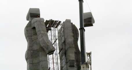 İnsanlık Anıtı değil Kars'ın tarihi yıkıldı
