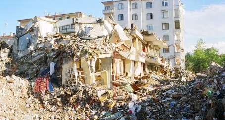Bu deprem politikaları can alır!