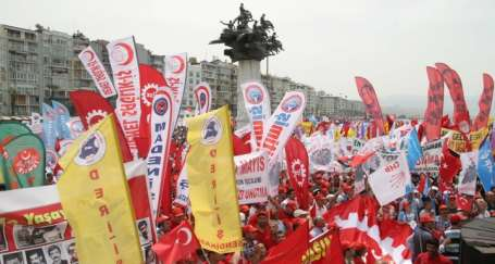 1 Mayıs'ta İzmir:  Eşitlik, özgürlük, kardeşlik
