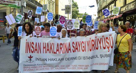 İnsan haklarına saygı için yürüdüler