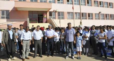 330 öğrenciye 3 öğretmen